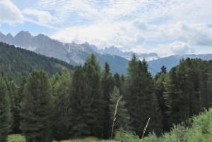 vue des Dolomites depuis le refuge Schatzerhutte