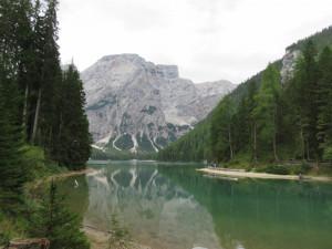 Lac de Braies avec au fond le Croda del Beco